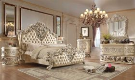 Chelan Traditional Bedroom Set in Gold