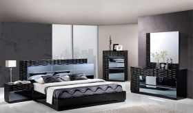 Manhattan Bedroom Set in Black High Gloss