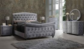 Meridian Hudson Sleigh Bedroom Set in Grey Velvet